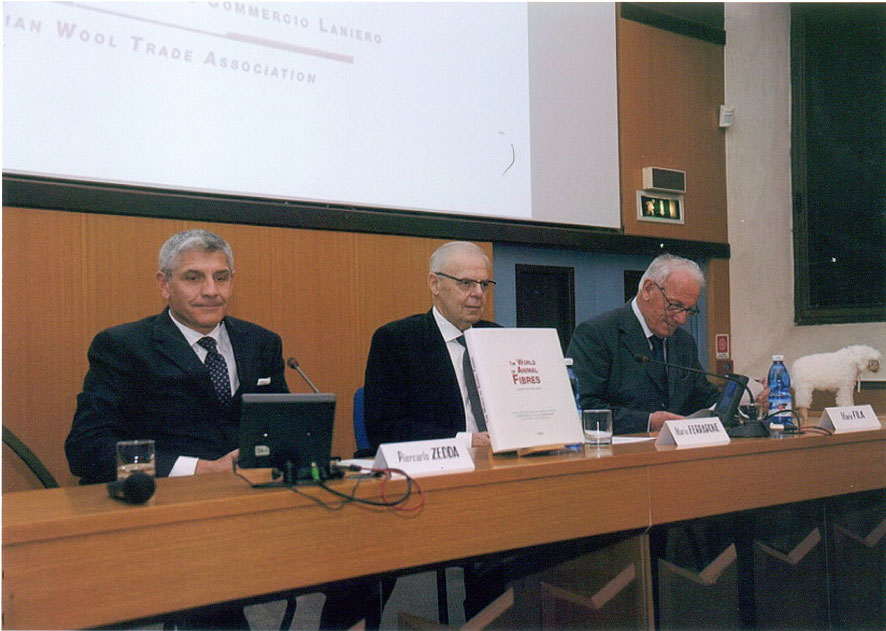 """Presentazione Libro """" The World of animal fibres"""" Biella"""